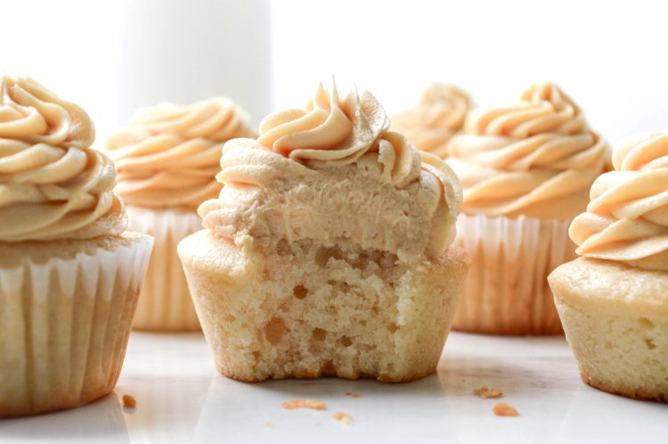 Image of Enjoy the frosting and put in on your cupcakes.