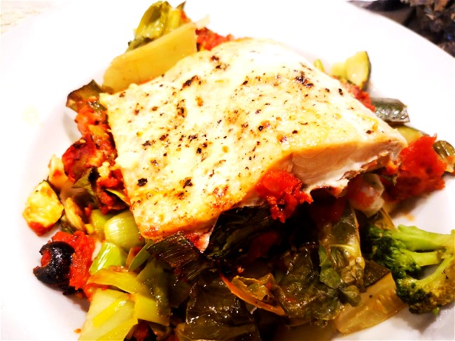 Image of Salsa 4 Ways - Salmon & Salsa on a Bed of Green Vegetables