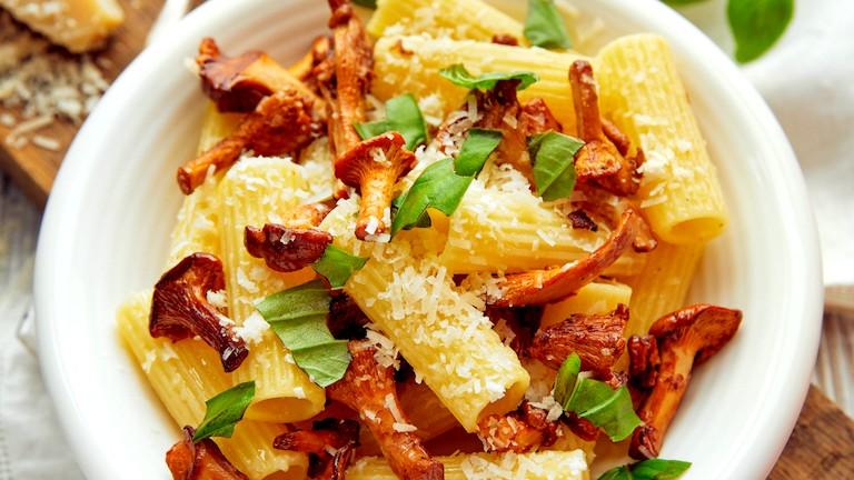 Image of Rigatoni Pasta With Saffron Mushroom Sauce