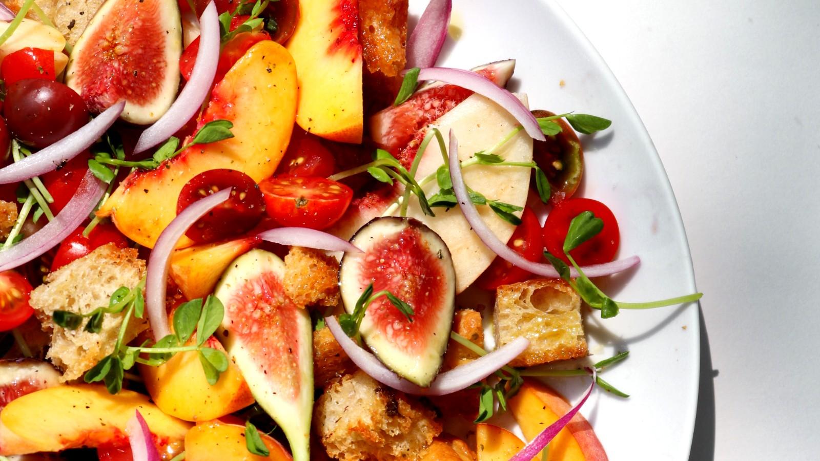 Image of Peaches and Figs Panzanella
