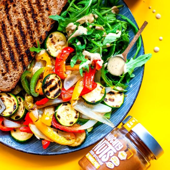 Image of Gegrilltes Gemüse mit Mandel-Pesto-Dip