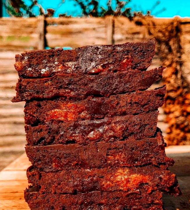 Image of Vegan Honeycomb Chocolate Fridge Cake