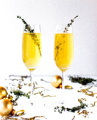 Image of Thyme-Infused Champagne