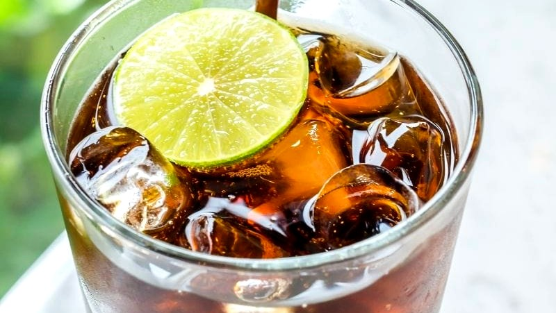 Image of Johnnie Walker Black - Soda Cocktail