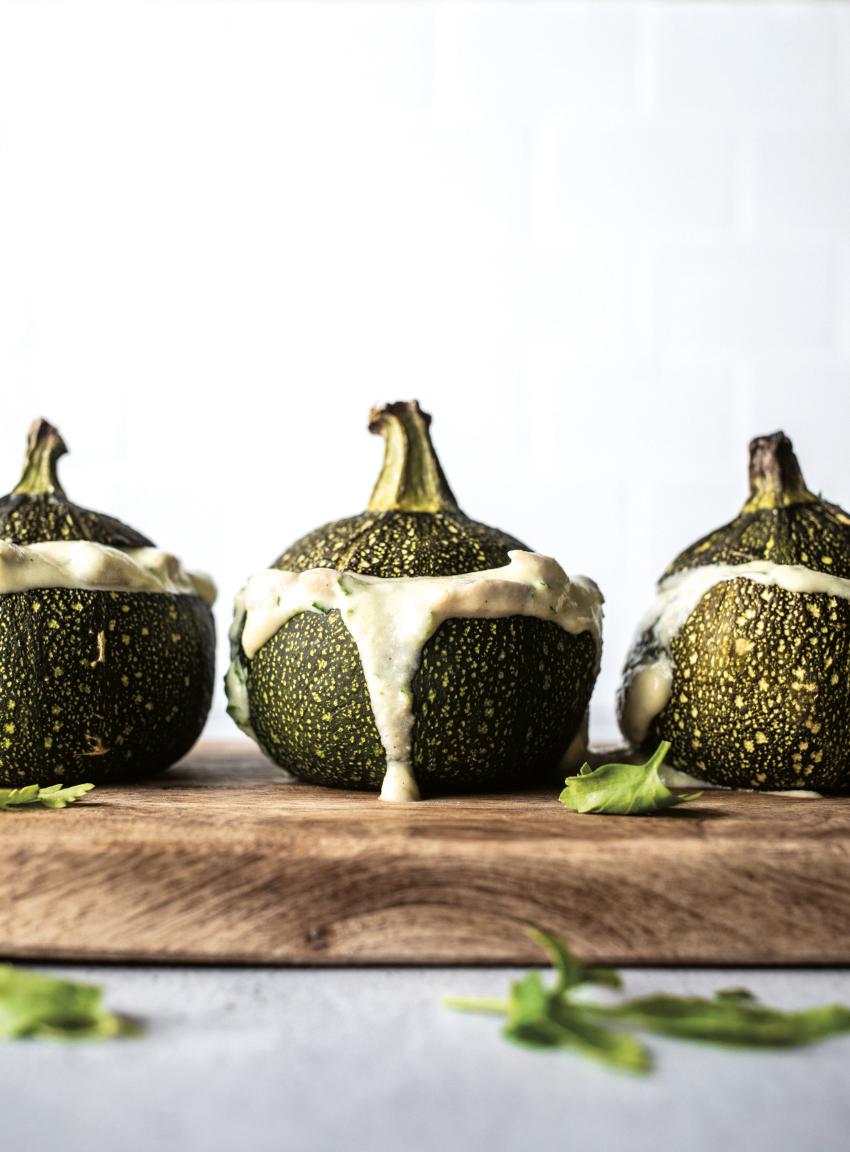 Image of Zucchini mit cremiger Füllung