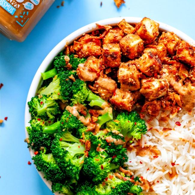 Image of Crispy Tofu in Tahini-Erdnuss-Sauce