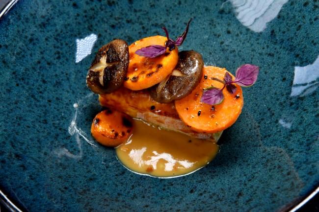 Image of Strudel vom Wirsing| Shiitake | Erdnusssauce | Süßkartoffel