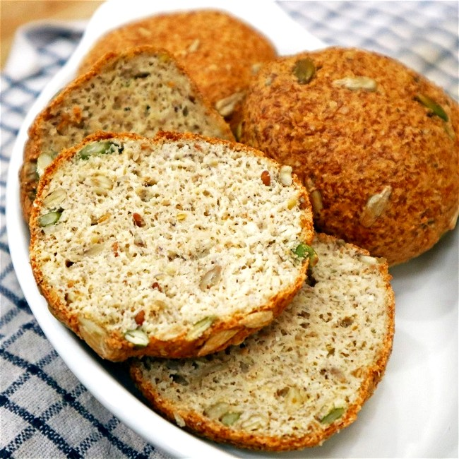 Image of 4-Seed Rolls