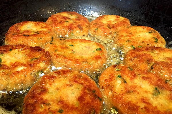 Image of Vegetable Croquettes with Goan Yellow Curry