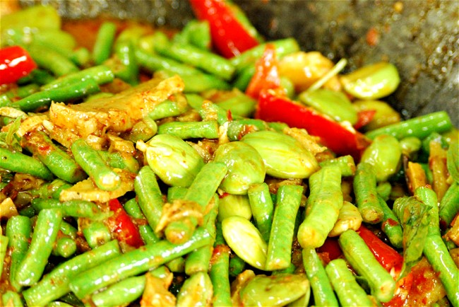 Image of Chilli and Lime Coconut Snake Beans
