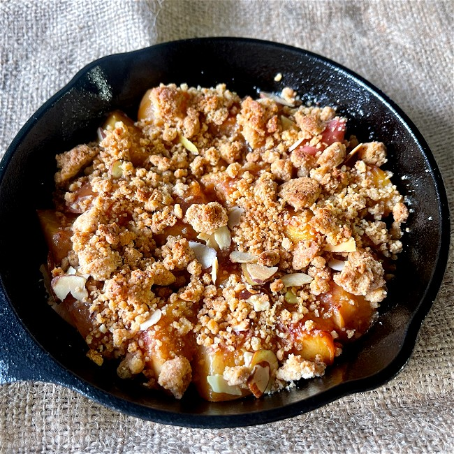 Image of Cardamom and Ginger Peach Crisp
