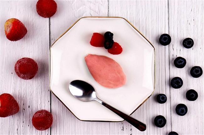 Image of Banana and Strawberry Ice Cream
