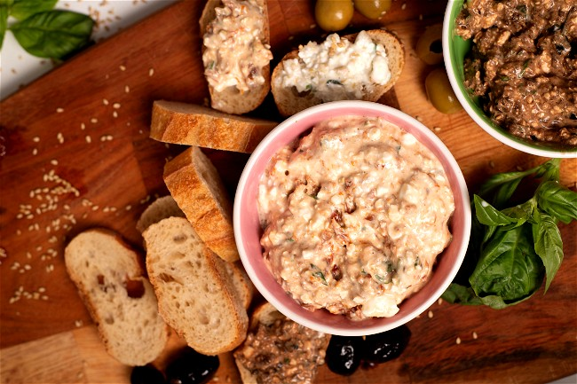Image of Cottage Cheese Spread with Dried Tomatoes