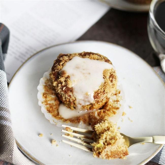 Image of Dreidoppel Apple Cinnamon Crumb Muffins