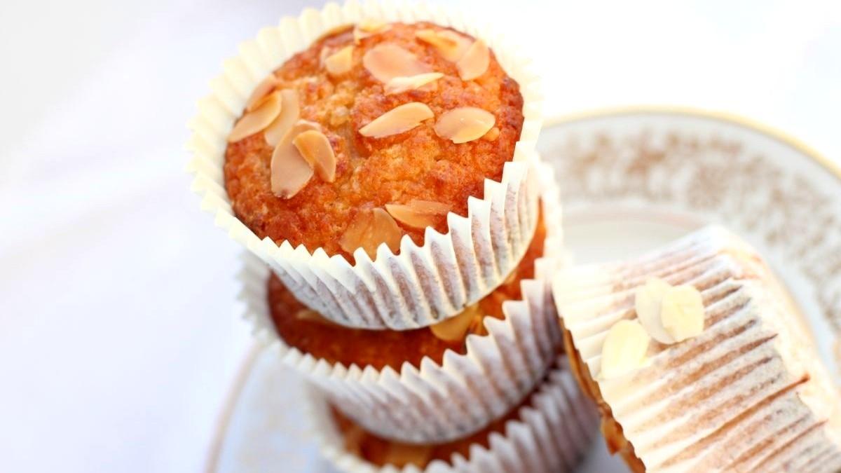 Image of Almond Cupcakes