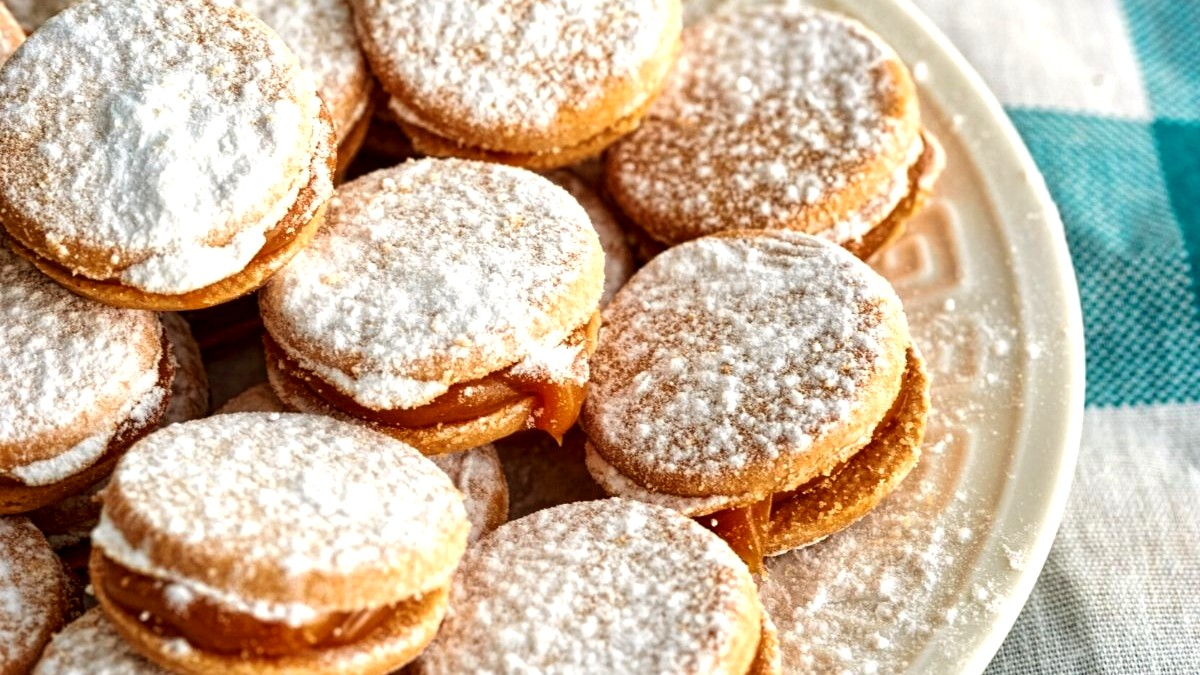 Image of Gluten-free Almond Alfajores