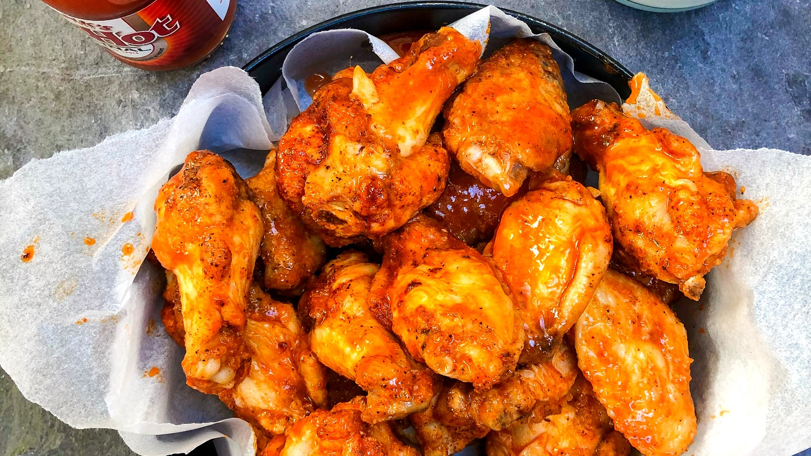 Image of BUFFALO WINGS WITH BLUE CHEESE DIP