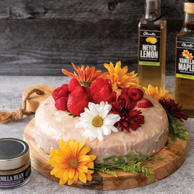 Image of CLASSIC OLIVE OIL CAKE WITH LEMON ICING